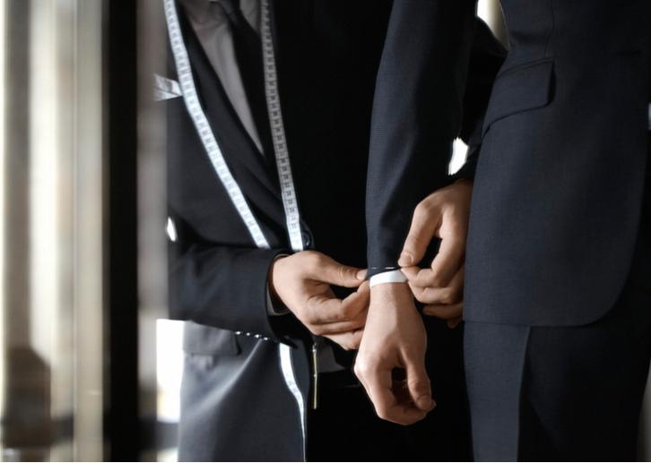 Quelles sont les retouches possibles sur un costume? - image Capture-d'écran-2017-05-30-à-11.50.42 on http://gianniferrucci-tlse.fr