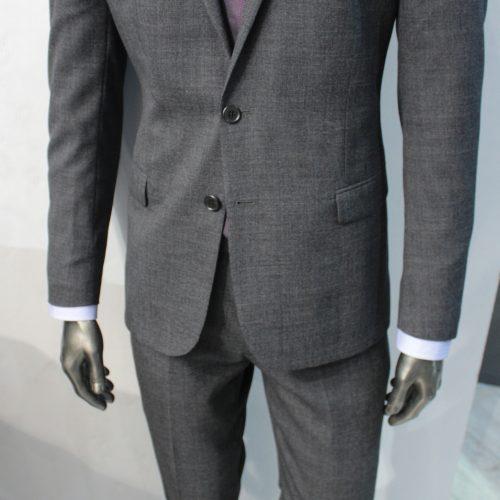 Costume 2 pièces Prince de Galles gris tissu Marzotto, Gianni Ferrucci - image IMG_5684-500x500 on https://gianniferrucci-tlse.fr