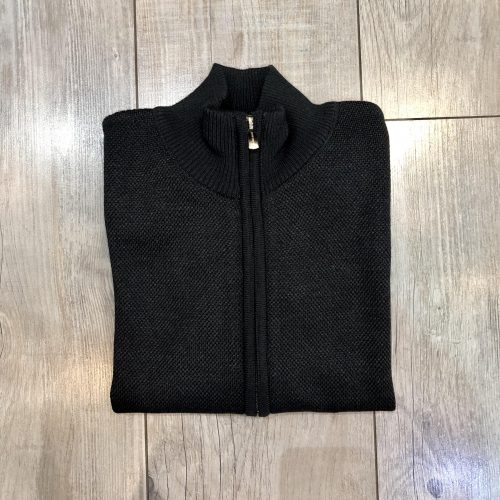 Pull col v en laine - image gilet2-500x500 on https://gianniferrucci-tlse.fr