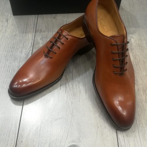 Chaussures cuir marron miel perforées - image IMG_20200313_134436-500x500 on https://gianniferrucci-tlse.fr